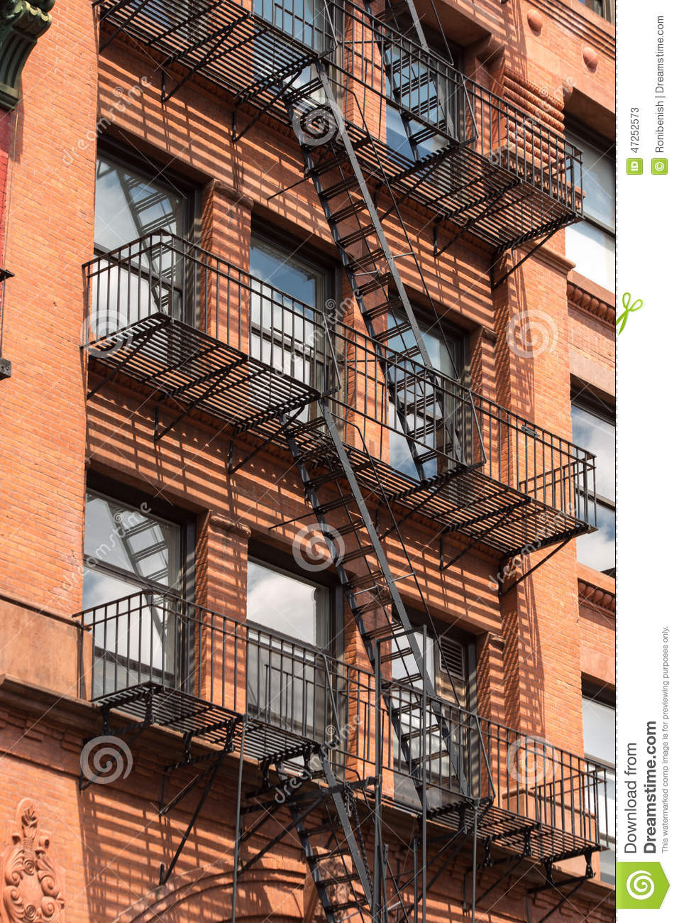 fire-escape-stairs-manhattan-new-york-city-usa-nyc-47252573.jpg